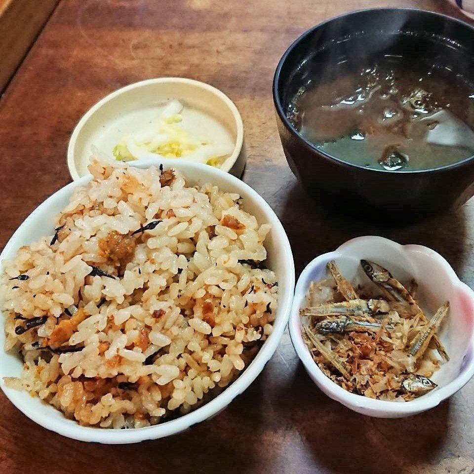 ウニご飯とアオサの味噌汁