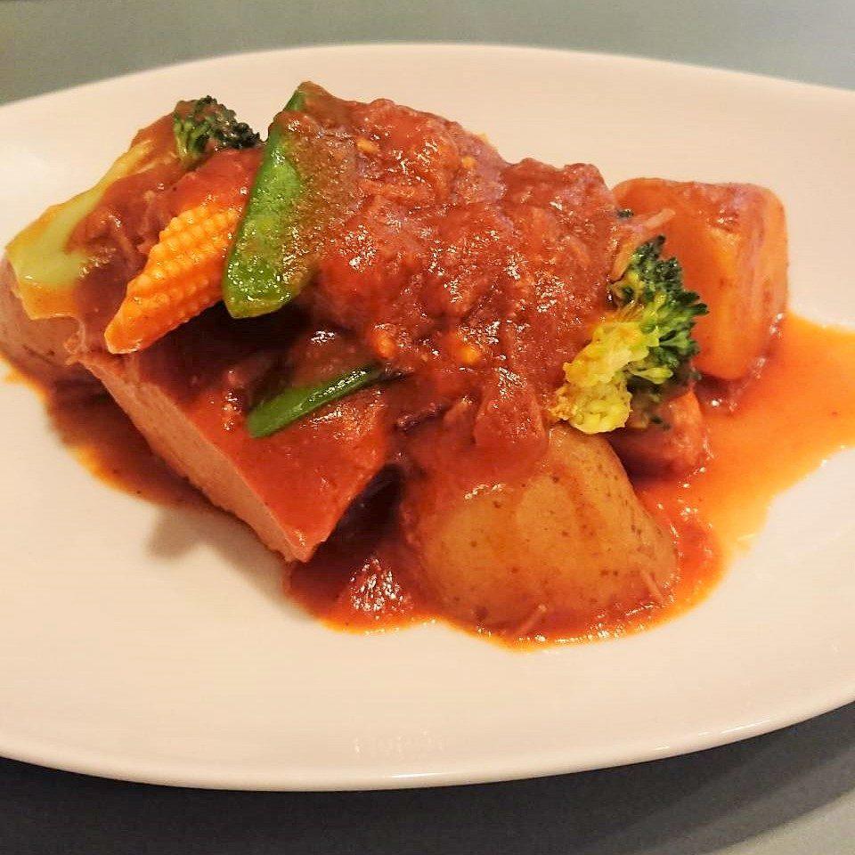 豚肉トマト煮込み
