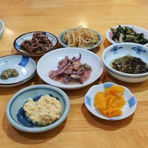 函館朝市 茶夢の海鮮丼につく小鉢4人分